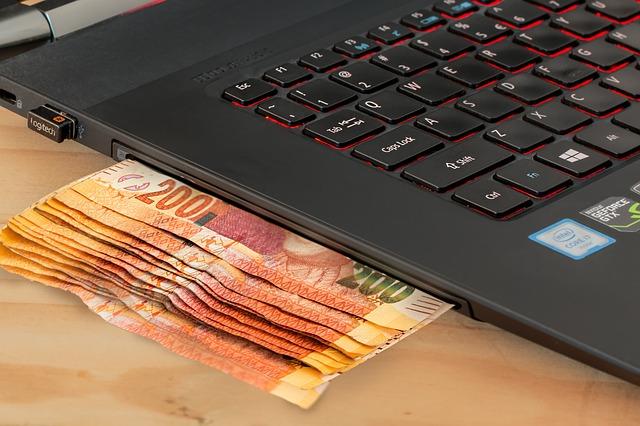 money-in-laptop